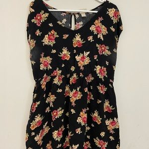 Floral Dress!! With Pockets!!!